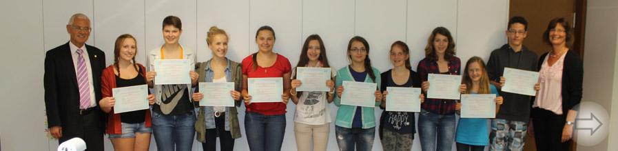 12 Schülerinnen und Schüler des Starkenburg-Gymnasiums erhalten ihre Delf-Diplome