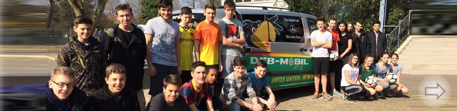 Das DFB-Mobil im Sportunterricht