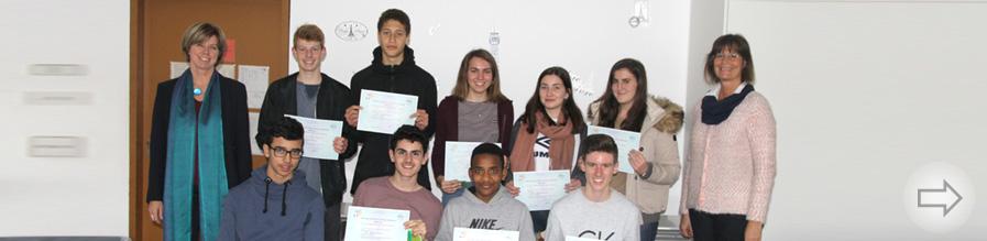 Schülerinnen und Schüler des Starkenburg-Gymnasiums erhalten ihre internationalen Französisch-Diplome